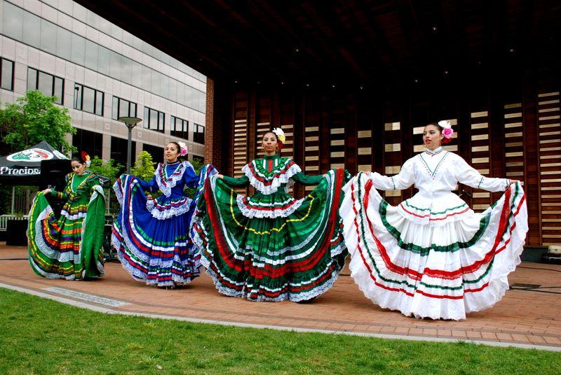 Jalisco_dancers