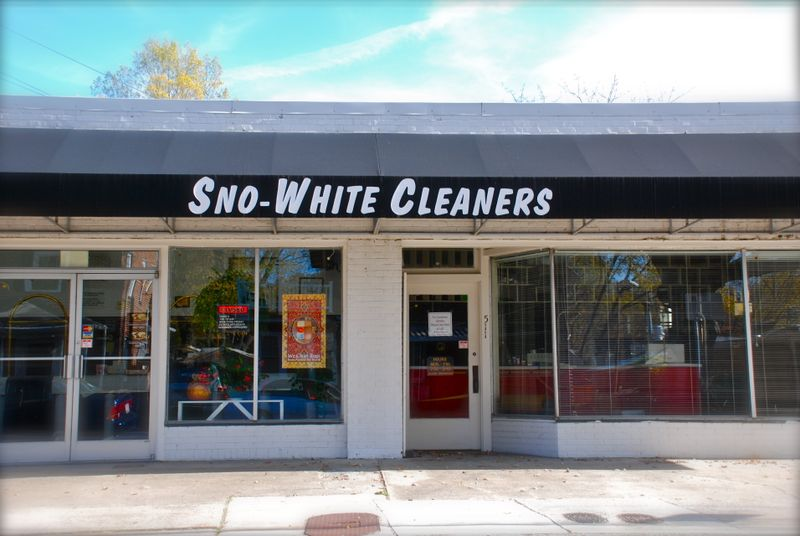 Snow_white_cleaners